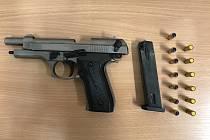 Snímek plynové pistole.