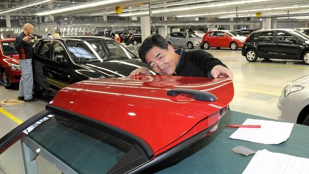 Hyundai přibrzdil. První automobily se v nošovické továrně začaly vyrábět na počátku listopadu loňského roku. Po ostrém startu teď Hyundai šlápl na brzdy.