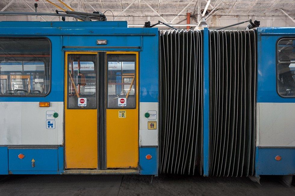 Trolejbusy s označením 14Tr a 15Tr, a nízkopodlažní typ 27Tr Solaris vyjely v Ostravě naposledy o víkendu 3. a 4. března. Ilustrační foto.