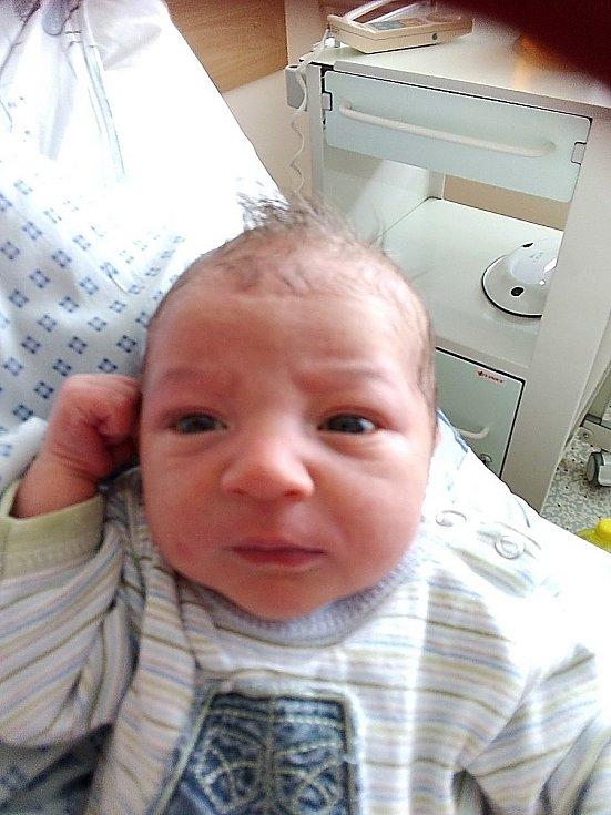 Bedřich Macháček, Holasovice, narozen 12. července 2021 v Krnově, míra 49 cm, váha 3400 g. Foto:  Pavla Hrabovská