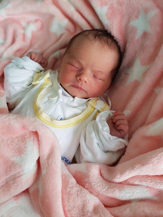 Karolína Vaníčková z Opavy, narozena 4. července 2021, váha 3040 g, míra 50 cm. Foto: Andrea Šustková