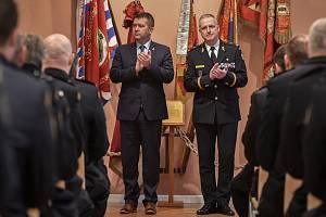 Ocenění hasičů za službu, 25. ledna v Ostravě. Na snímku (vlevo) Jan Hamáček a Vladimír Vlček.