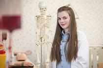 Radka Durďáková, předsedkyně studentské komory akademického senátu lékařské fakulty, při fotografování pro Deník v listopadu 2018 v Ostravě.