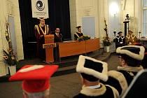 Ostravská univerzita inaugurovala dva nové děkany. Snímek z inaugurace děkana Tomáš Jarmara.