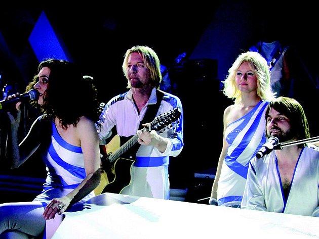Z vystoupení kapely ABBAGAIN.