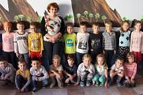Třída 1.A Základní školy Nový Malín s třídní učitelkou Janou Poláškovou.
