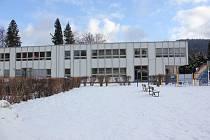 Budova Kordu v areálu školy na ulici Průchodní v Jeseníku