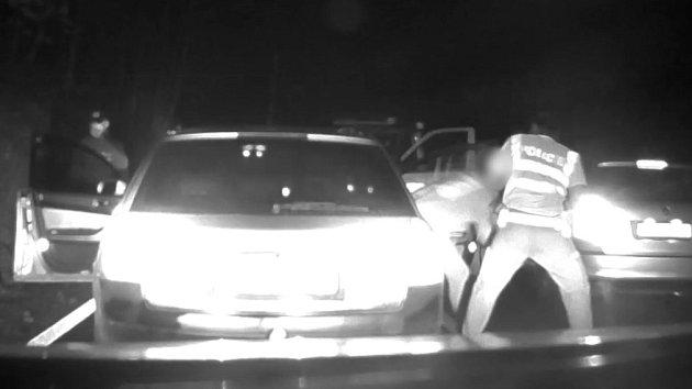 Pronásledování auta na Hanušovicku