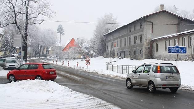 Na křižovatce ulic Lipovské a Jaroslava Ježka se bude opravovat propustek. Práce si vyžádají tříměsíční uzavírku.