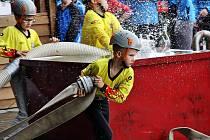 Mladí hasiči v akci.