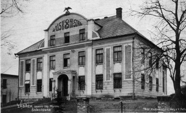 Historická podoba Sokolovny vZábřehu