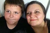 Petr Jochec z Moravičan se svou maminkou Soňou.