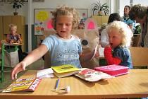 První školní den v základní škole v Rohli.