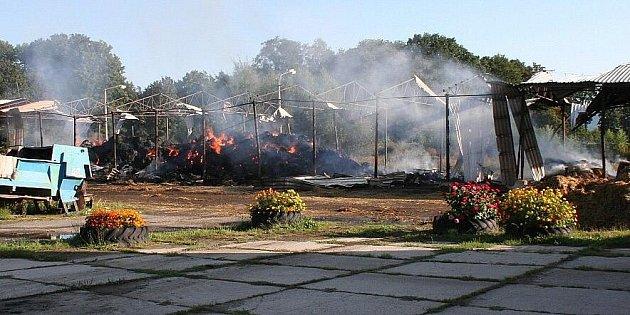 Požár řádil na farmě vMaršíkově