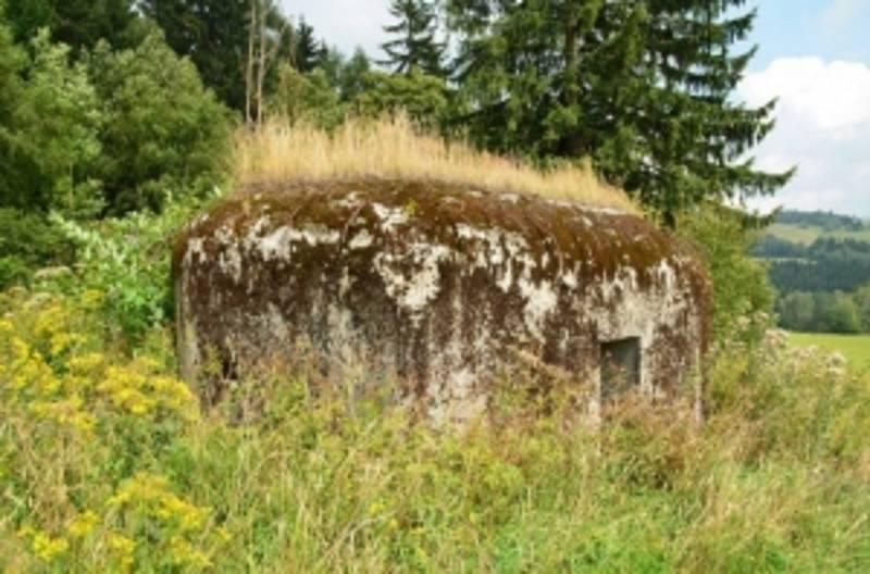 Objekt lehkého opevnění typu A-120 nad Šléglovem.
