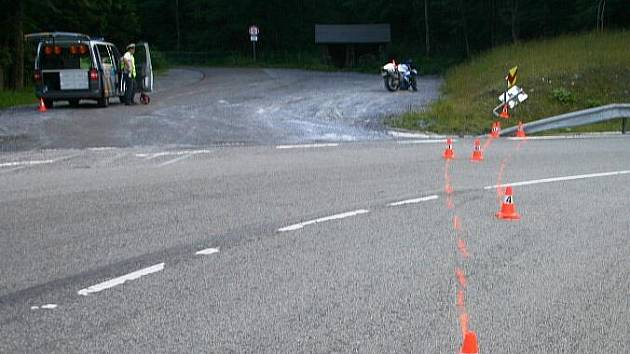 Místo nehody motorkáře na Červenohorském sedle