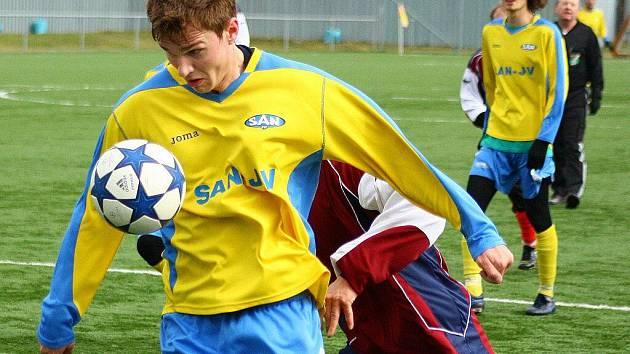 Fotbalisté Šumperku ve žlutém. Ilustrační foto.