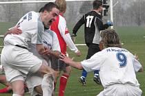 Aleš Masopust (vlevo) se raduje po vstřelení gólu.