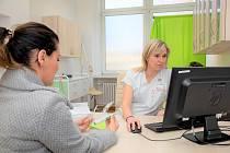 Lidé by neměli lupénku skrývat a měli by aktivně hledat účinné možnosti léčby.
