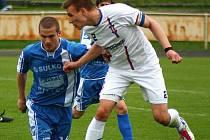 Jan Schaffartzik (vlevo) během utkání s Líšní