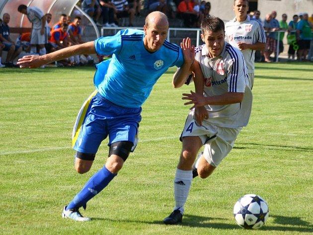 Mohelnice versus Určice (modré dresy).
