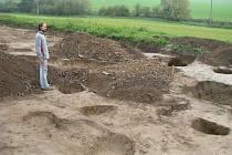 Osada, která v Dubicku v minulosti stávala, musela být dost významná. Dokládá to rozsah naleziště i množství objevených předmětů.