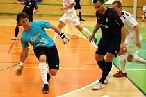 Šumperští futsalisté (bílé dresy) podlehli Chrudimi