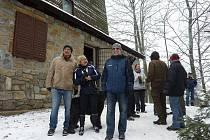 Na 35. Novoroční výstup na Háj se letos vydalo více než tisíc lidí
