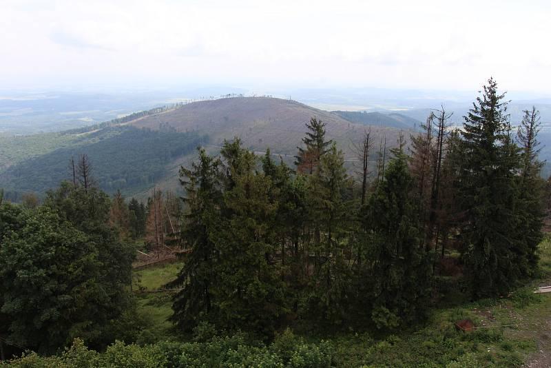 Pohled z Biskupské kupy směrem na Město Albrechtice.