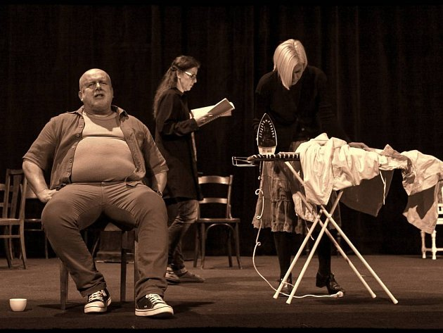 Třetí premiérou letošní sezony Divadla Šumperk bude hořká komedie amerického dramatika Thortona Wildera Naše městečko.