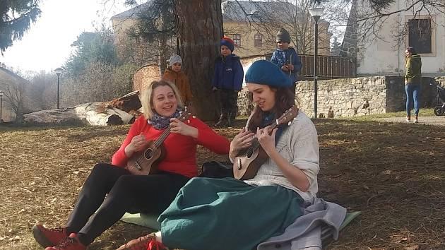 Tereza Karlíková a Lucie Kučerová