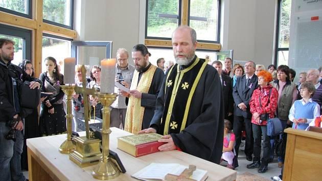 Otevření pravoslavného kostelíku a památníku válečným zajatcům z období druhé světové války v Horní Lipové.