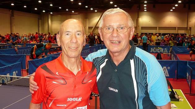 Miloš Matějíček (vpravo) mohl na mistrovství světa v Las Vegas sahat po medaili, ale zastavilo ho ošklivé zranění.