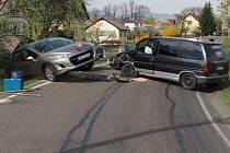 V Petrově nad Desnou došlo ke srážce dvou automobilů. Nehoda se obešla bez zranění.