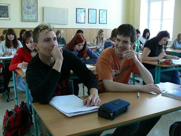Tito studenti Obchodní akademie v Šumperku se na školu hlásili ještě v době, kdy si mohli podat dvě přihlášky