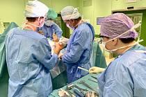 Operace v Nemocnici Šumperk.