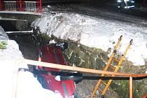 Hodně nezvyklá dopravní nehoda v Hanušovicích