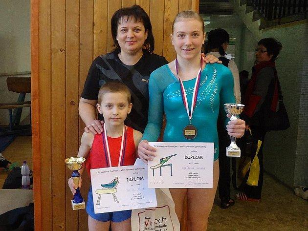 Viktorie Harásková, Daniel Ponížil a trenérka Silvie Urbanová