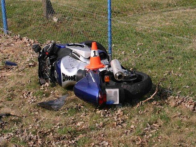 Další nehoda se stala v pondělí 4. dubna časně ráno, havaroval šestačtyřicetiletý řidič z Bystřice pod Hostýnem