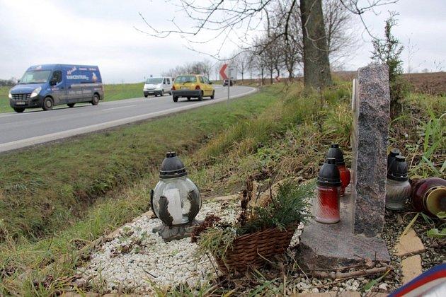 Na Bludovském kopci se stalo v posledních letech několik smrtelných dopravních nehod.