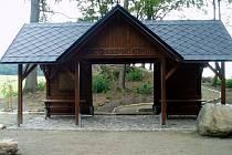 Nové odpočívadlo na vyhlídkovém místě u Kobylé nad Vidnavkou.