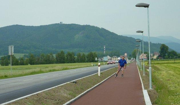 Cyklostezka mezi Rapotínem a Šumperkem je v provozu od 1. června 2012.