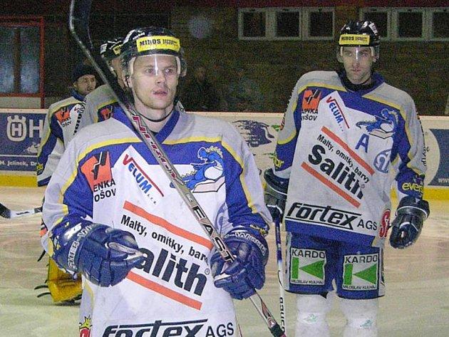 Marek Grill měl pomoci Kozlům z Kolína do 1. ligy. Teď pomáhá 1. ligu zachránit šumperským Drakům.