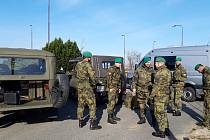 Vojáci z Přáslavic v Javorníku v úterý 17. března.