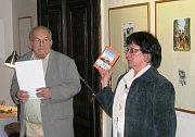 Jednomu z klasiků české poválečné prózy Karlu Poláčkovi a jeho knize Kolotoč patří devátý ročník festivalu Město čte knihu, který se až do úterý 12. listopadu koná v Šumperku.