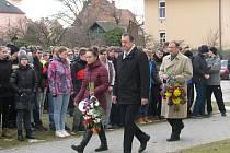 Uctění památky Jana Zajíce u šumperské průmyslovky.