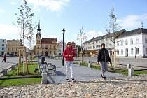 Ve Vidnavě v uplynulých měsících obnovili část náměstí.