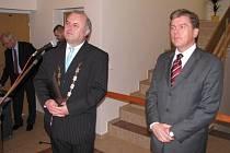 Slavnostního otevření se zůčastnil i starosta Velkých Losin Miroslav Kopřiva (vlevo) a předseda poslanecké sněmovny Miloslav Vlček (oba ČSSD).