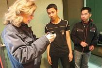 Cizinecká policie v akci (ilustrační foto)