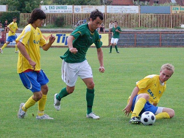 Šumperk (ve žlutém) neprohrál již šestnáct zápasů.